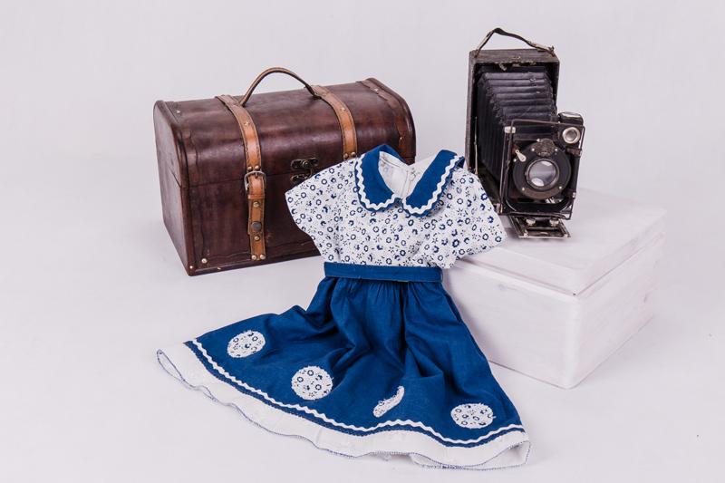 Historia granatowej sukienki…
