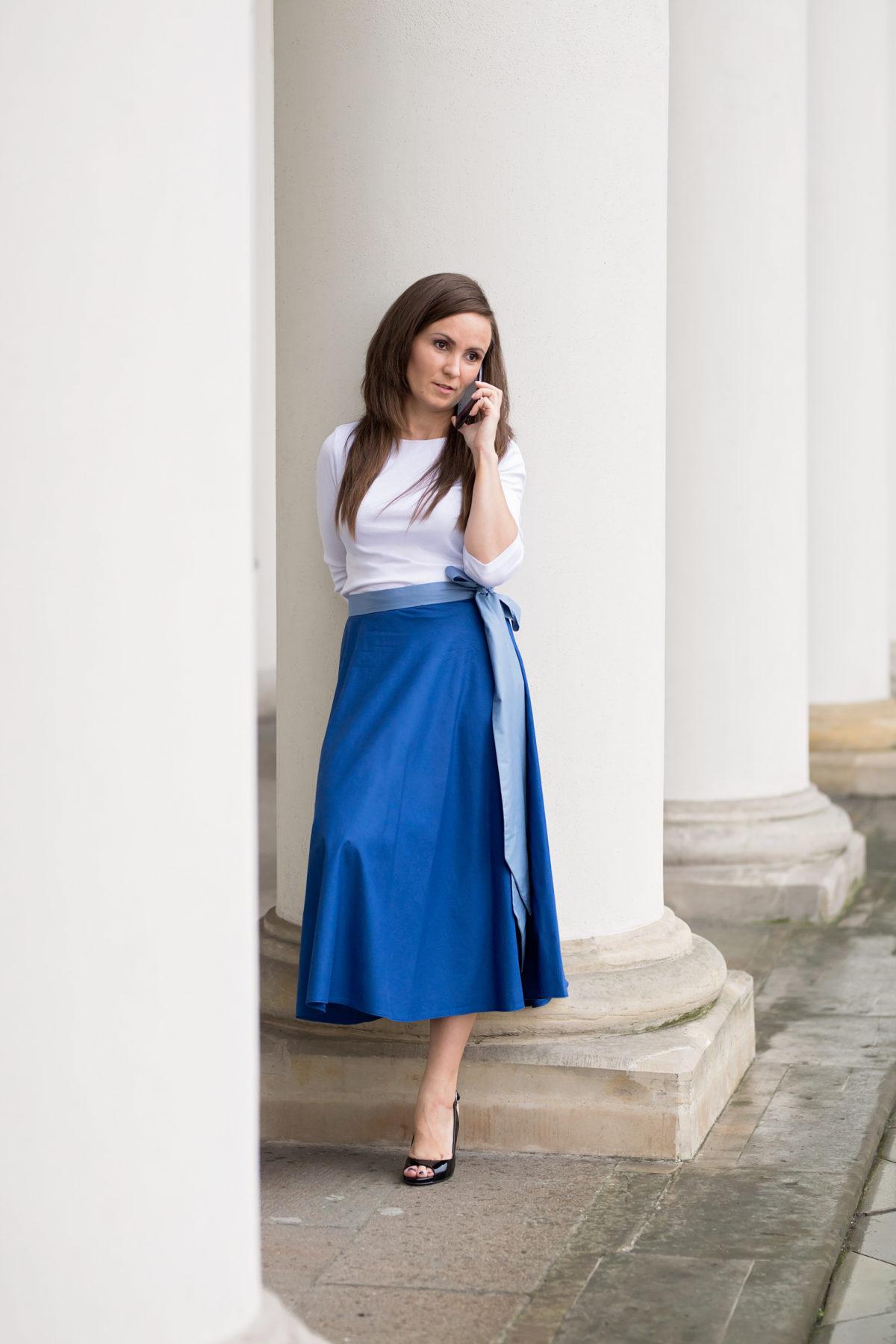 Spódnica z szarfą – dlaczego? dla kogo? z czym noszona?