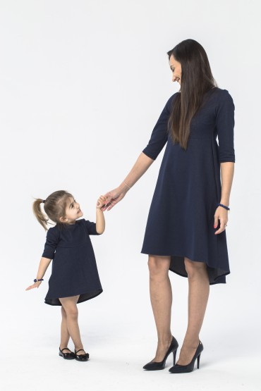 Komplet sukienek dla mamy i córki z przedłużonym tyłem