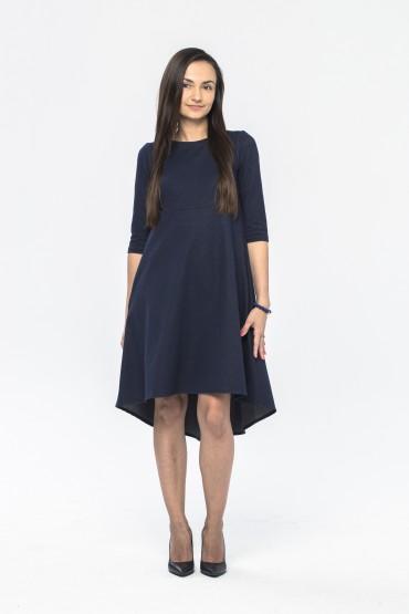 Granatowa sukienka z przedłużonym tyłem