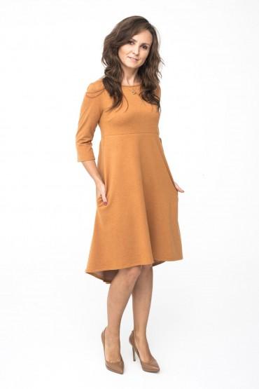 Sukienka z przedłużonym tyłem - Karmel
