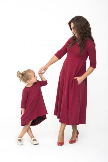 Takie same sukienki dla mamy i córki burgund