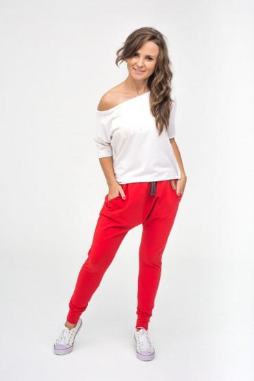 Spodnie damskie typu baggy - Family in Red