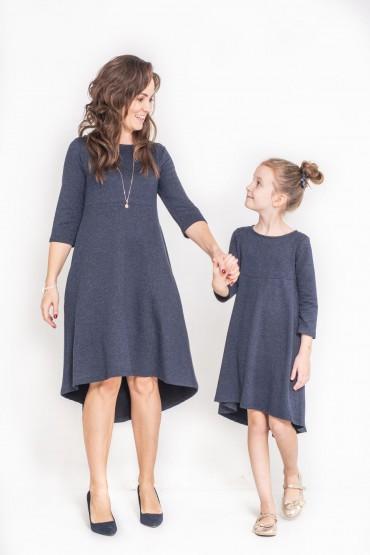 Komplet sukienek dla mamy i córki z przedłużonym tyłem -Granat
