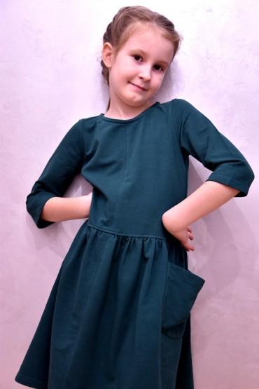 Dzianinowa sukienka z kieszeniami - zielona