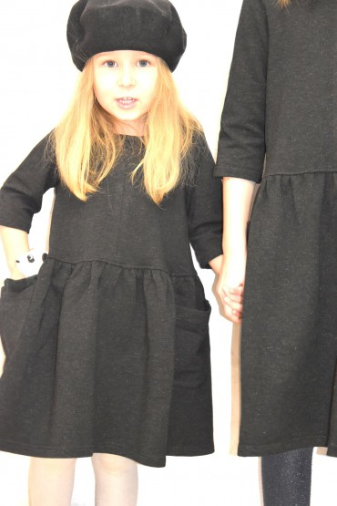 Takie same sukienki z kieszeniami dla siostrzyczek - czarne