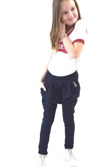 Spodnie baggy dla dziewczynki w sportowo - eleganckim wydaniu
