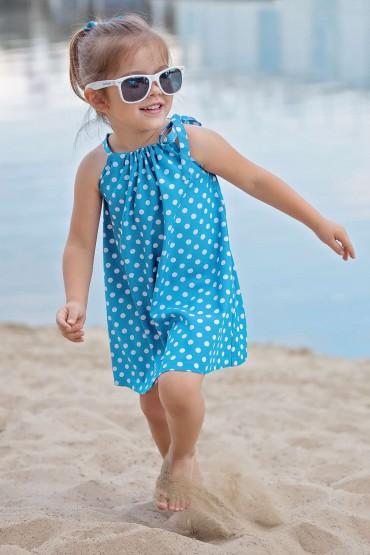 Sukienka dla dziewczynki w grochy z paskiem w kolorze niebieskim