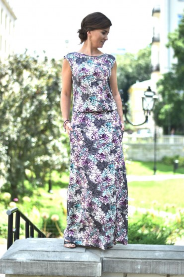 Women's maxi dress with flowers with a neckline at the back
