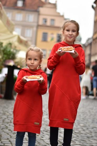 Zestaw takich samych bluz z kapturem dla siostrzyczek - głęboka czerwień
