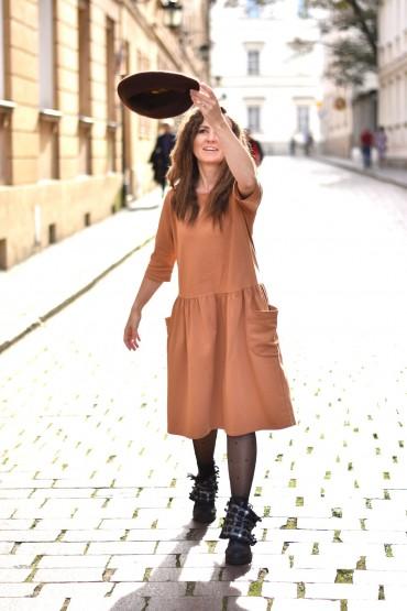 Sukienka damska z dużymi kieszeniami - Toffi