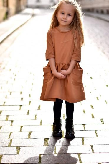Dzianinowa sukienka z kieszeniami dla dziewczynki - Toffi