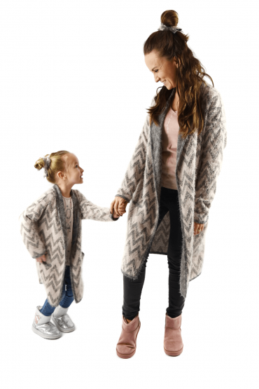 Włochacze - długie swetry dla mamy i córki - szary z delikatnym różem