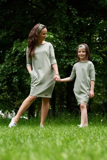 Dresowe sukienki typu tunika dla mamy i córki - pistacjowo - oliwkowe w kropki