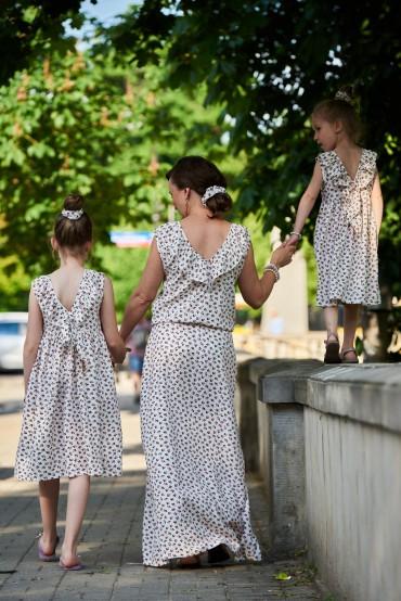 Zestaw sukienek dla siostrzyczek, z dekoltem na plecach - Berries