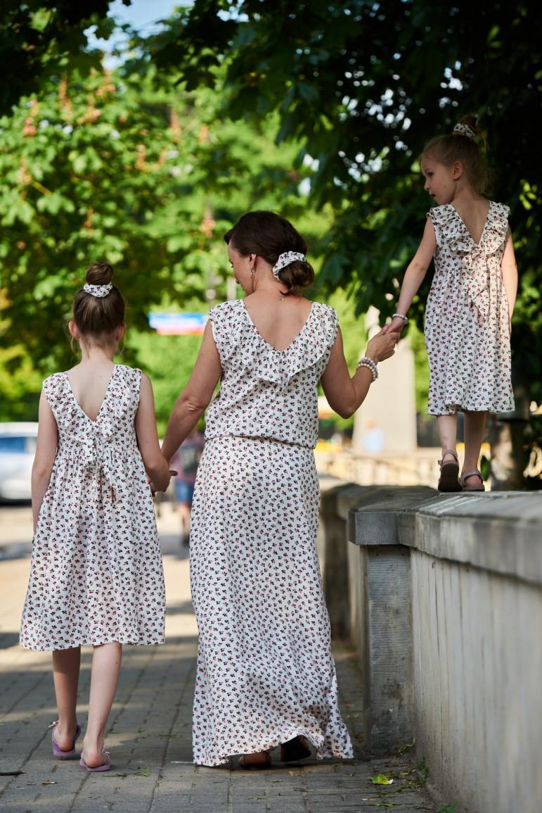 2copy of Zestaw sukienek dla siostrzyczek w kwiaty, z dekoltem na plecach