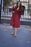 2Kopertowa sukienka midi z dekoltem w kształcie litery V - burgund