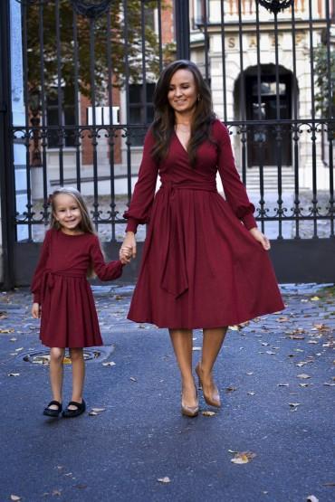 Sukienki dla mamy i córki - rozkloszowane z paskiem - burgund