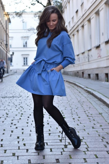 Loose dress with a frill - blue