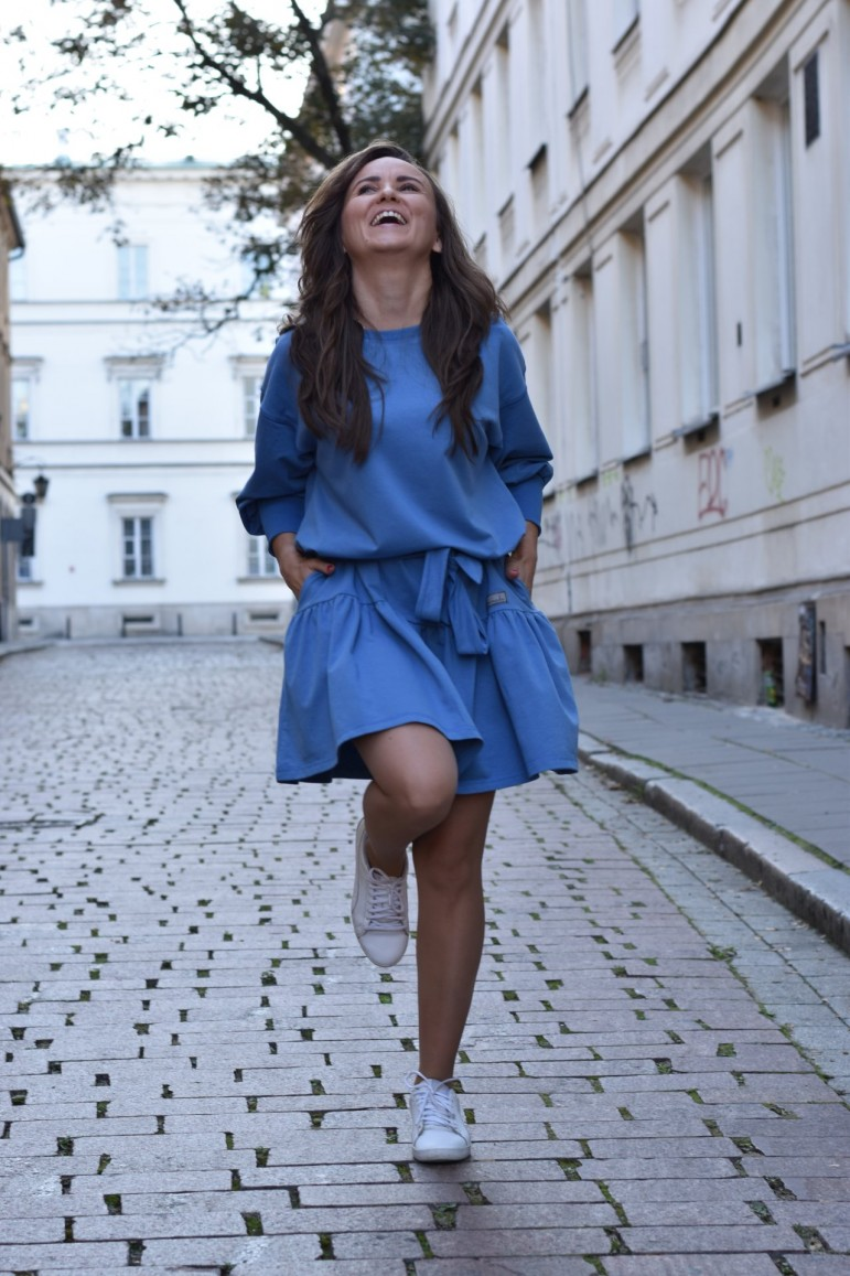 2Loose dress with a frill - blue