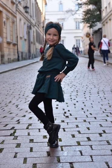 Luźna sukienka z falbaną i paskiem dla dziewczynki - zielona