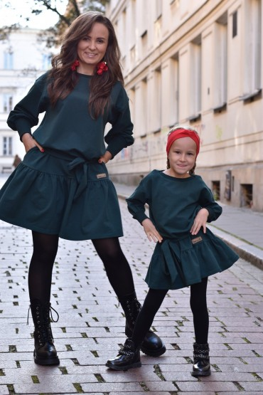 A set of loose dresses with a frill for mother and daughter - bottle green color