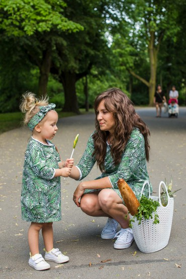 The set of oversized tunic dresses for mother and daughter