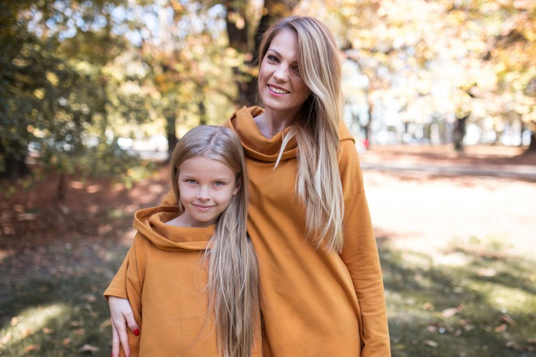 2Komplet tunik z kapturem dla mamy i córki