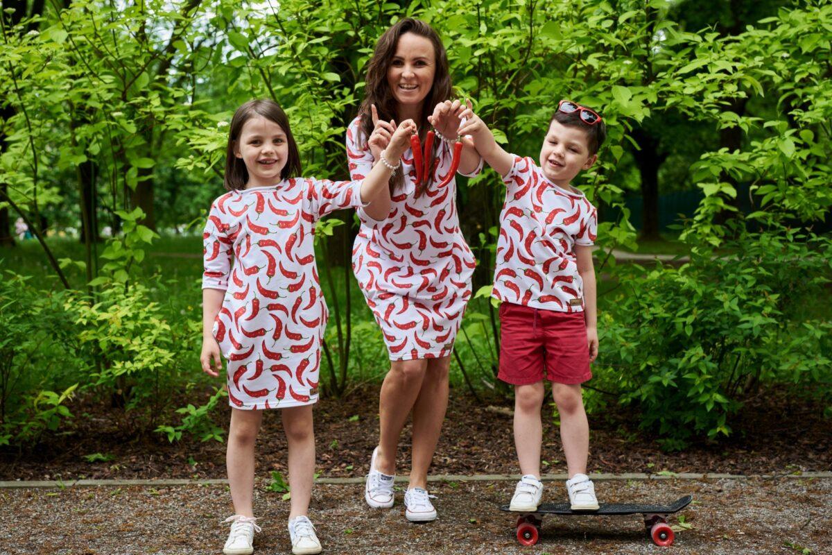 Rodzina w papryczkach – zestaw takich samych ubrań w papryczki chilli dla całej rodziny!